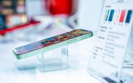 apple-phai-boi-thuong-tien-cho-samsung-vi-iphone-12